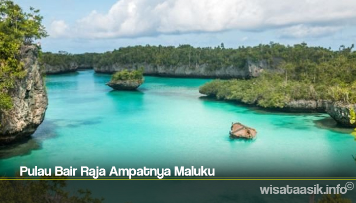 Pulau Bair Raja Ampatnya Maluku