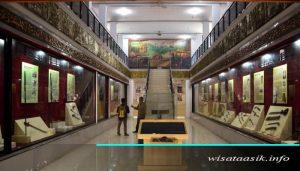 wisata asik museum jambi